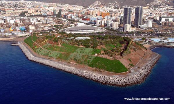 El impresionante parque recreativo de EL PALMETUM, construido sobre toneladas de desechos arrojados al mar durante decenas de años, en Sana Cruz de Tenerife, Islas Canarias, un ejemplo de la visión realista de un desarrollo sostenible consecuente con la calidad del medio ambiente