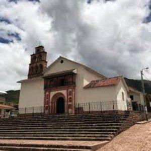 Su majestuosa iglesia fue edificada en 1661 por mandato del obispo mecenas Manuel Mollinedo y Angulo, dato que encontró en el 2003 el entonces alcalde Mario Samanez Yáñez en los archivos de bautizos y matrimonios.