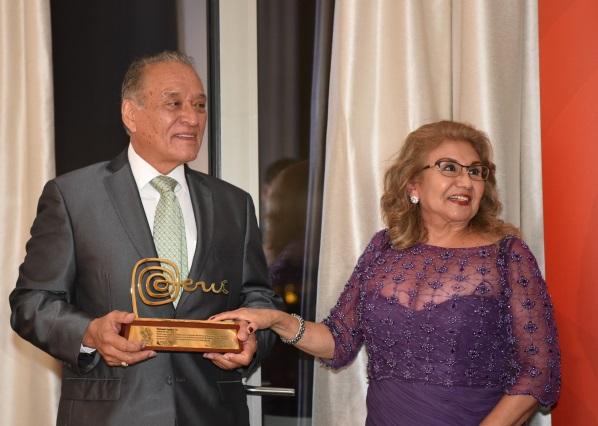César Morales y Flor Morales representantes Inca's Food.