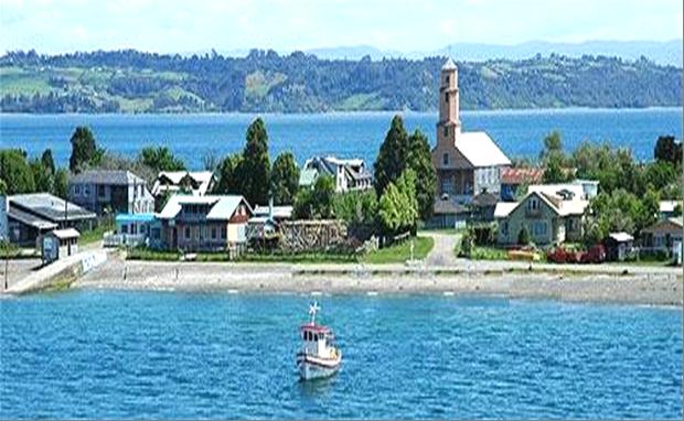 """Chiloé, espléndida isla de la región austral de Chile, un paraíso de la gastronomía marina, donde nuestros recuerdos nos llevan a la degustación de sus """"machas"""", """"picorocos"""", """"locos""""…o los sensacionales """"choros zapato"""" (mejillones gigantescos, también llamados en algunos países de América, """"conchas"""")"""